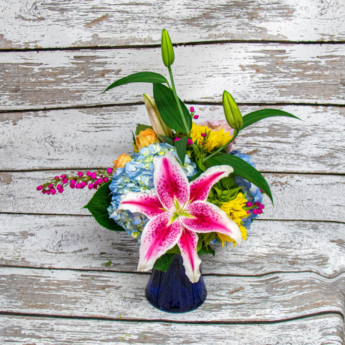 AVAILABLE for local delivery to  in Loveland, Fort Collins, Windsor, Johnstown, Berthoud and Campion ONLY. We offer DAILY deliveries to the Medical Center of the Rockies, Northern Colorado Rehab Center, McKee Hospital, Poudre Valley Hospital, Banner Fort Collins and other local facilities.  As your local Loveland, Colorado florist we are excited to bring custom designs for any occasion. We take pride in our unique and fun arrangements, while offering the best quality of fresh and local grown flowers. Earle's Loveland Floral and Gifts is proud to bring you gifts from all of the most unique brands and even ones made here in the USA! Order your fresh flower arrangements and add a gift to your fresh flower delivery. The Girls at Earle's take pride in helping you give the best gifts and finest fresh flower arrangements for all occasions! Not sure what to send? Want to create a custom arrangement? Call us or stop in the shop and let us show you around!