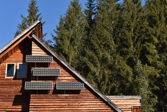 How many solar panels do I need to be off the grid?