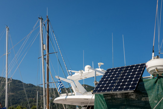 What's the Difference Between Marine Solar Panels and Those For RVs and Cabins?
