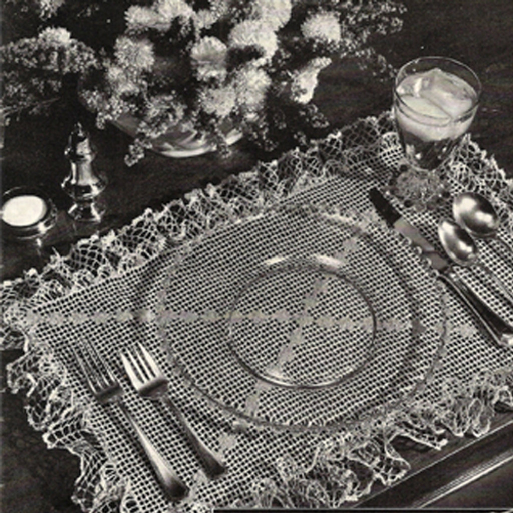 Crochet Placemats Pattern with Ruffled Border