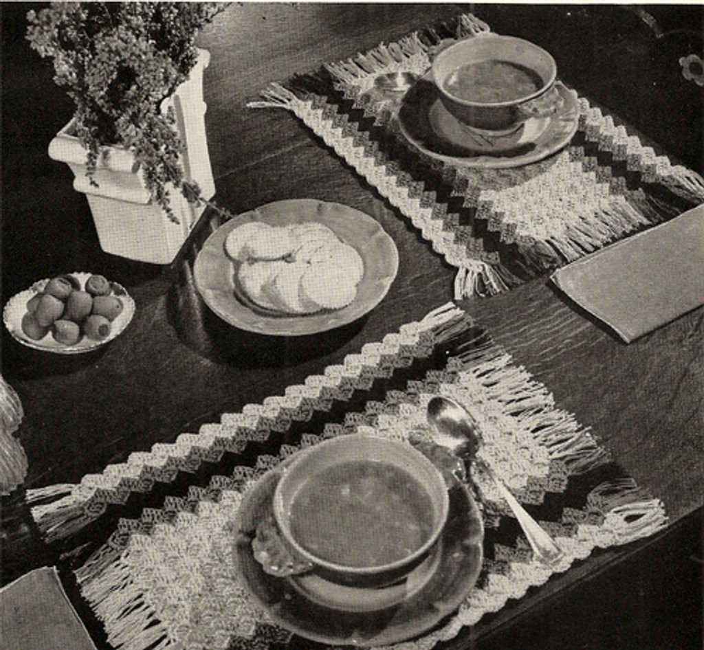 Crocheted Shell Striped Luncheon Set Pattern