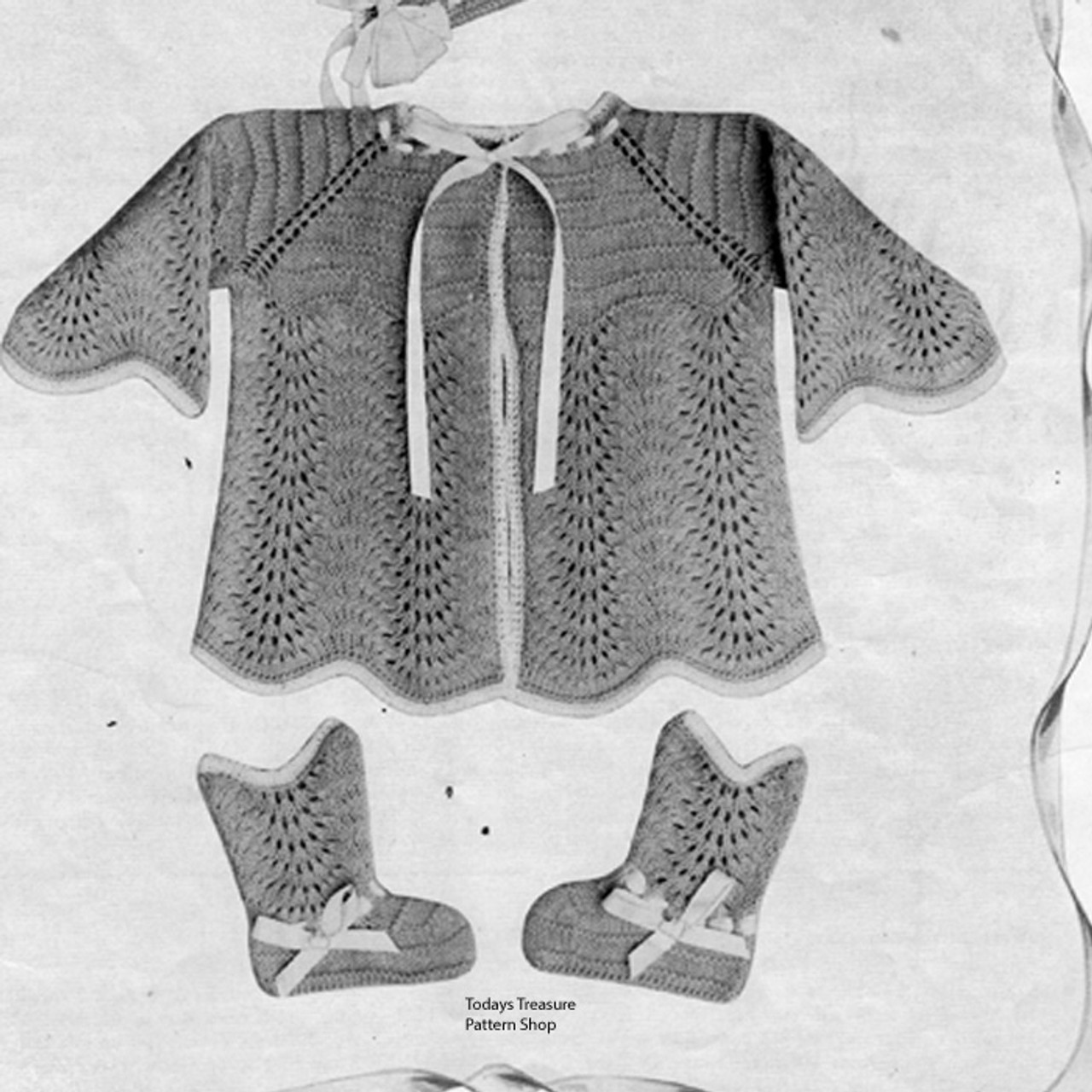 Baby layette knitting pattern in Feather Stitch