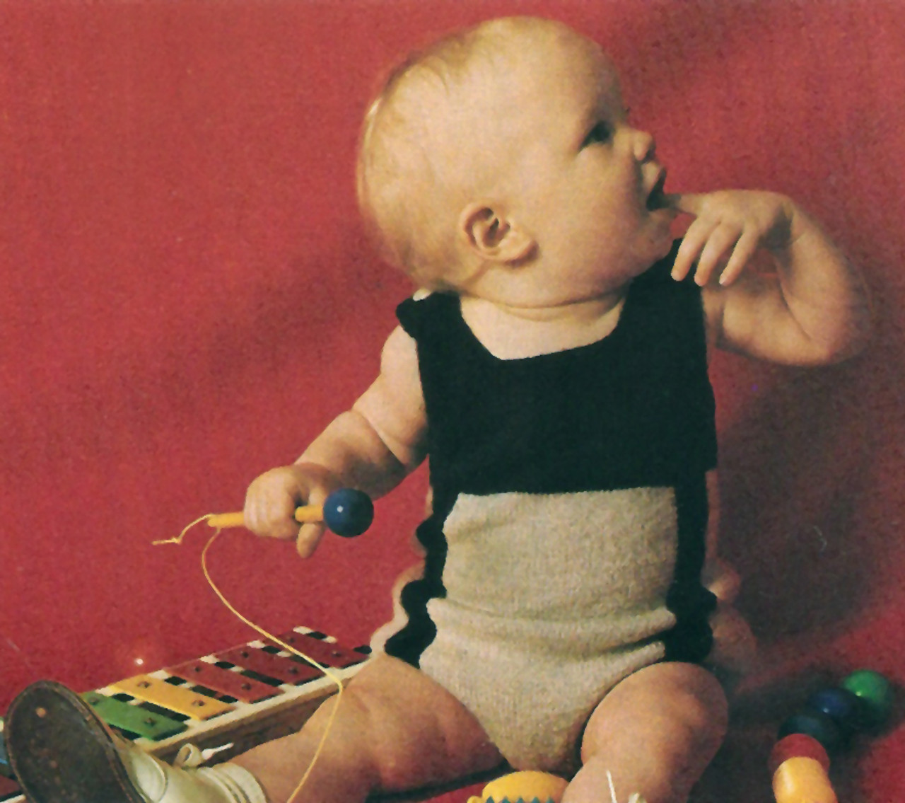 Baby Knitted Play Set Pattern from Columbia Minerva