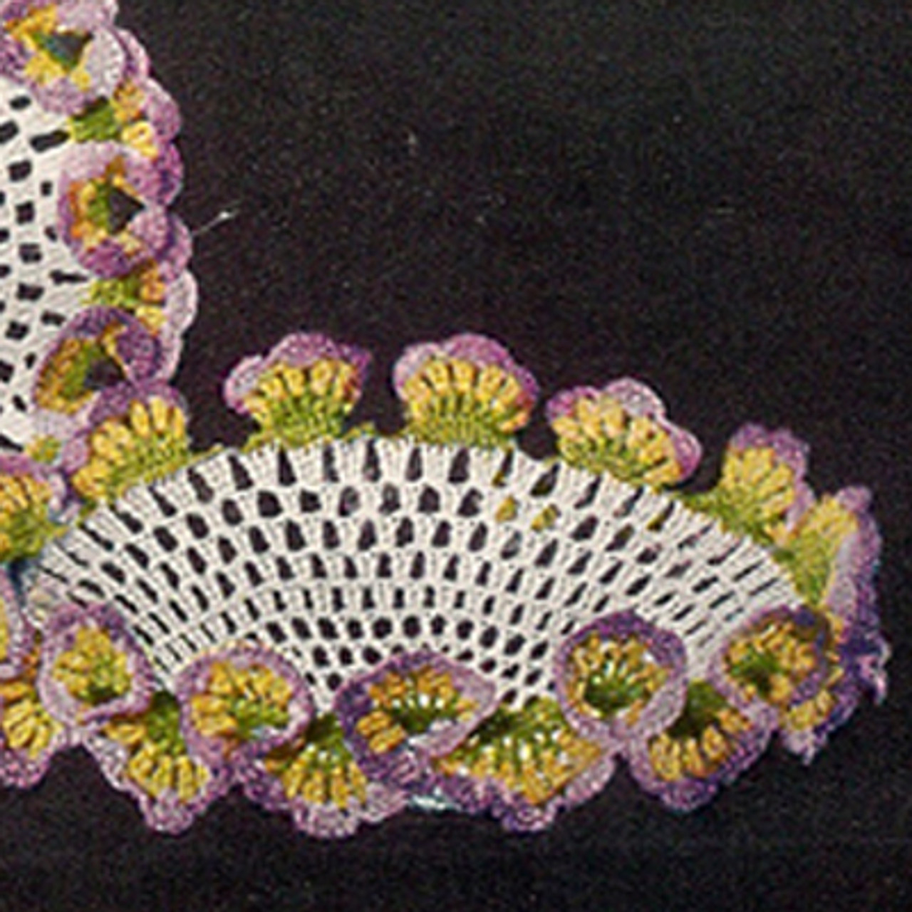 Crocheted Bowl Pattern with Pansy Border