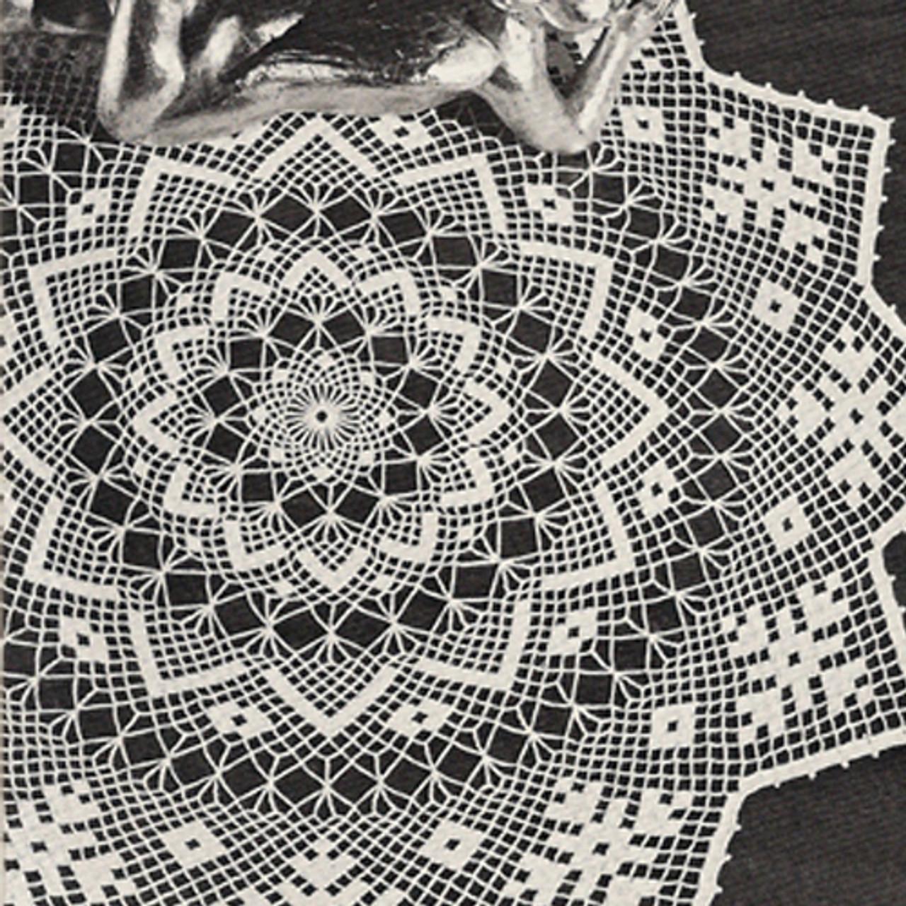 Centerpiece in Crocheted Netting Doily Pattern