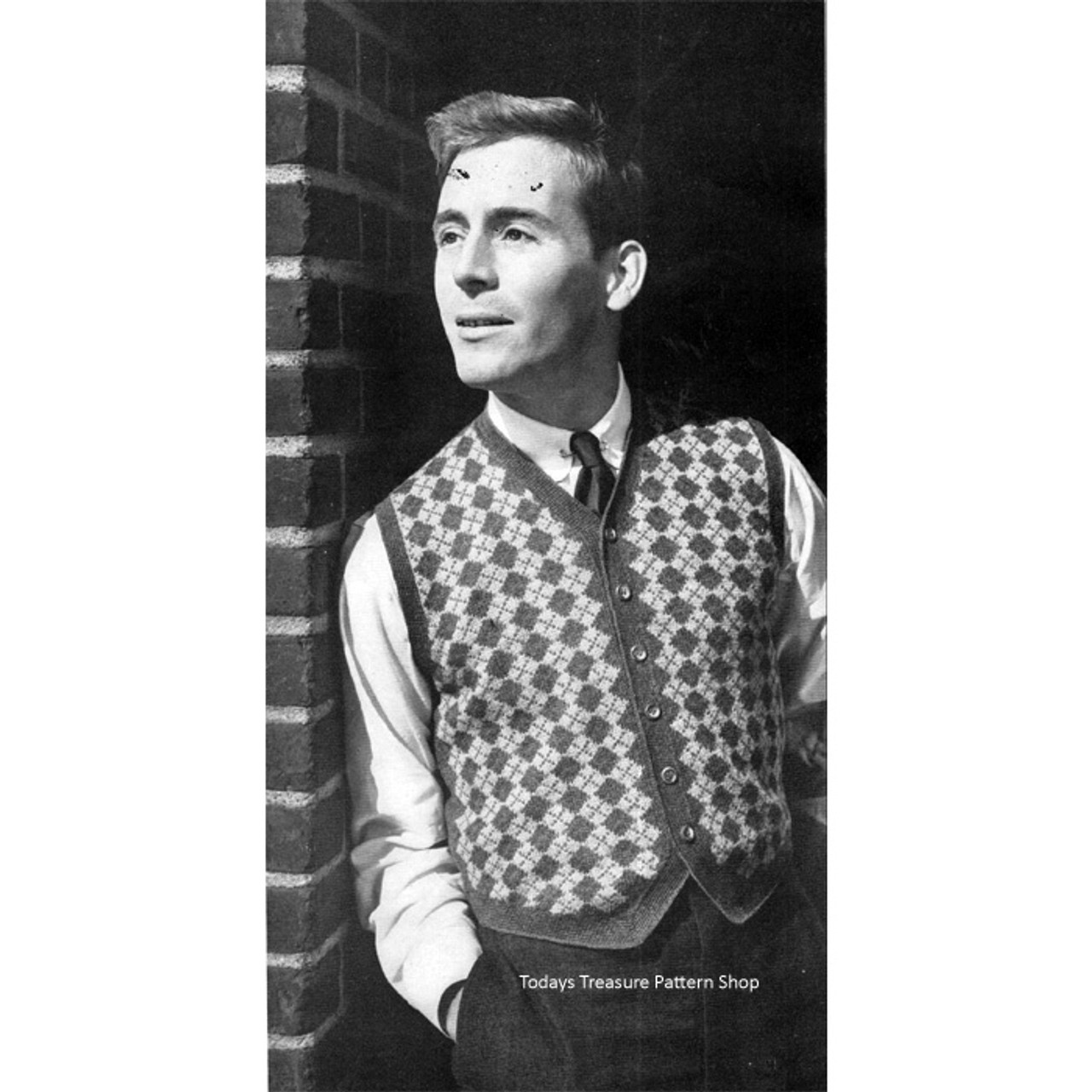 Mans Knitted Vest Pattern in Diamond Motif