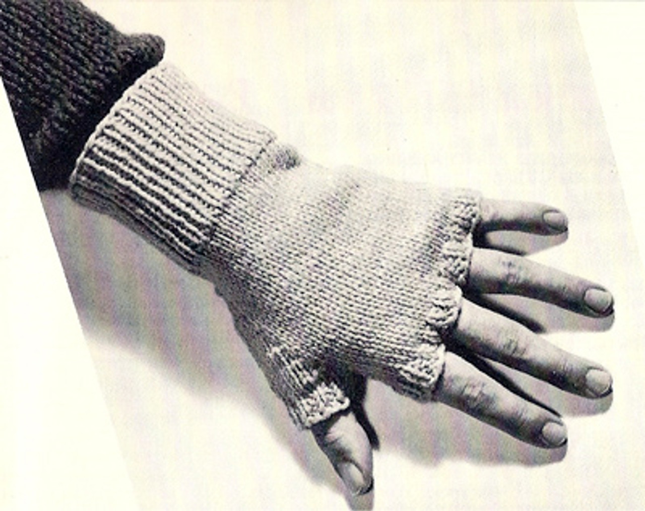 Knitting Pattern for Mans Fingerless Gloves, Vintage 1960s