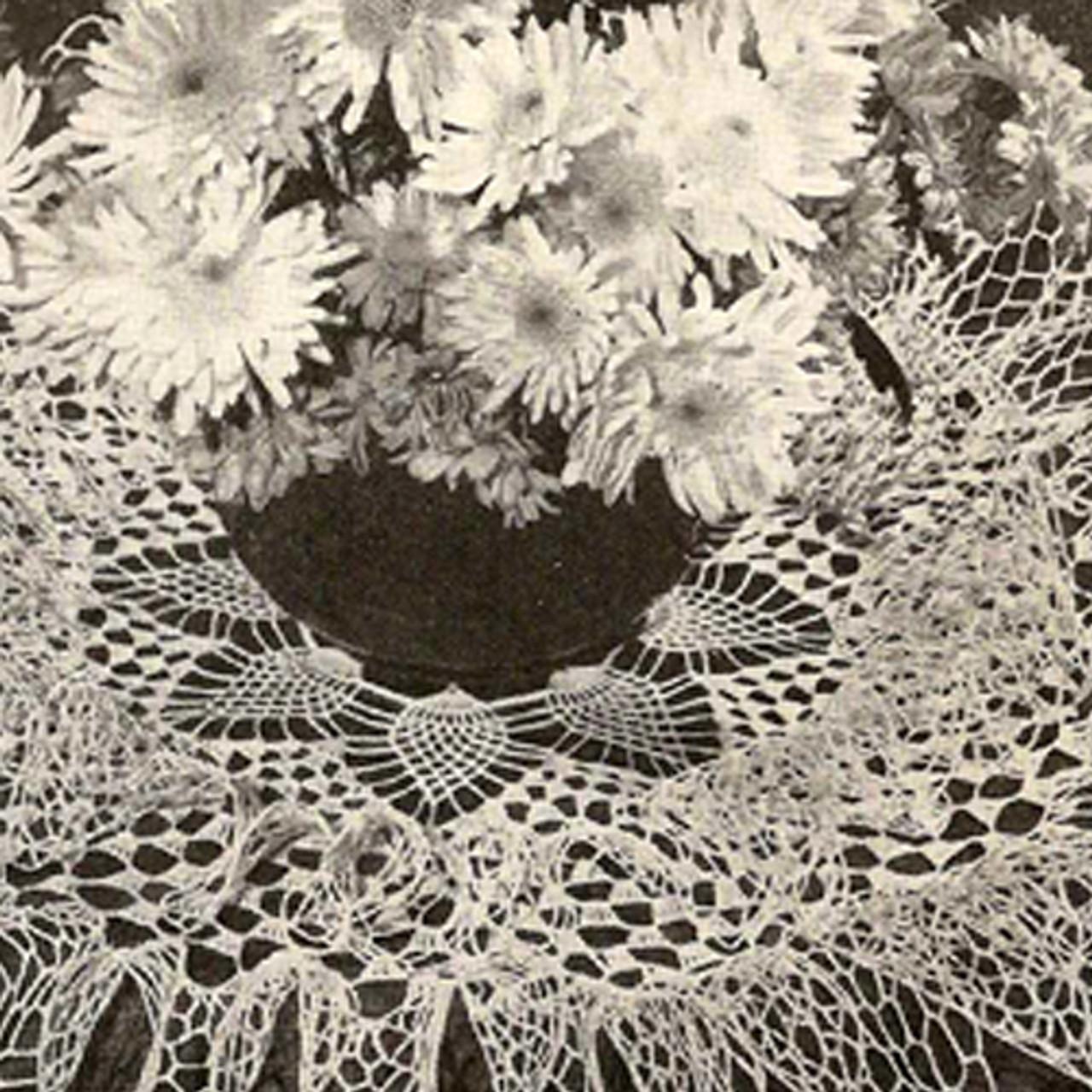 Pineapple Centered Ruffle Doily Crochet pattern