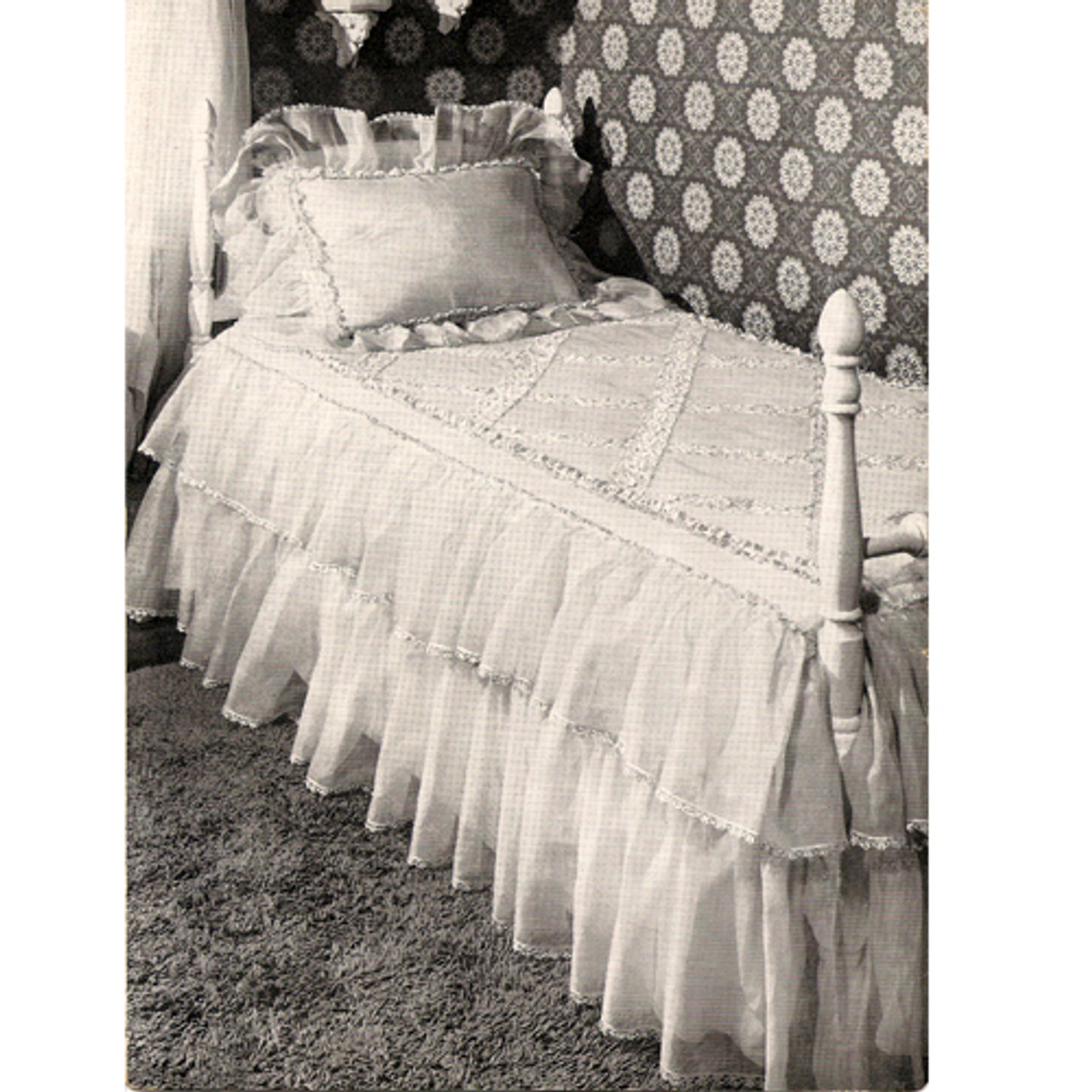 Frilly Crocheted Bedspread Pattern, Vintage 1950s