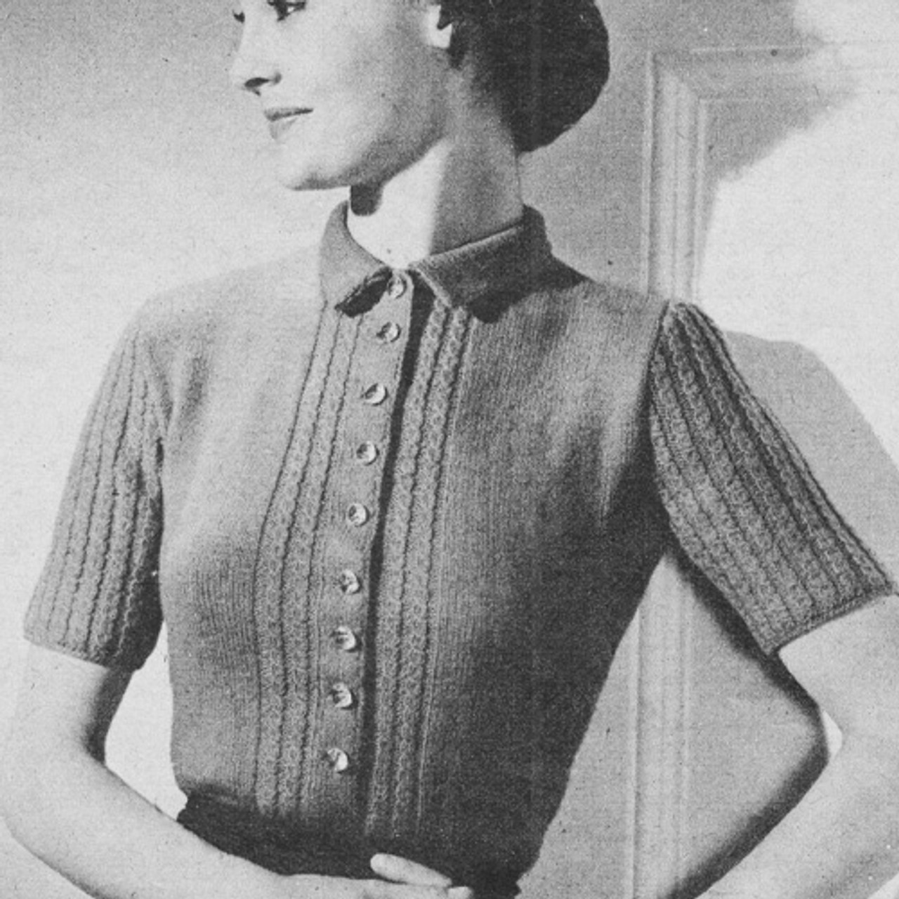 Knitted Short Sleeve Buttoned Blouse Pattern
