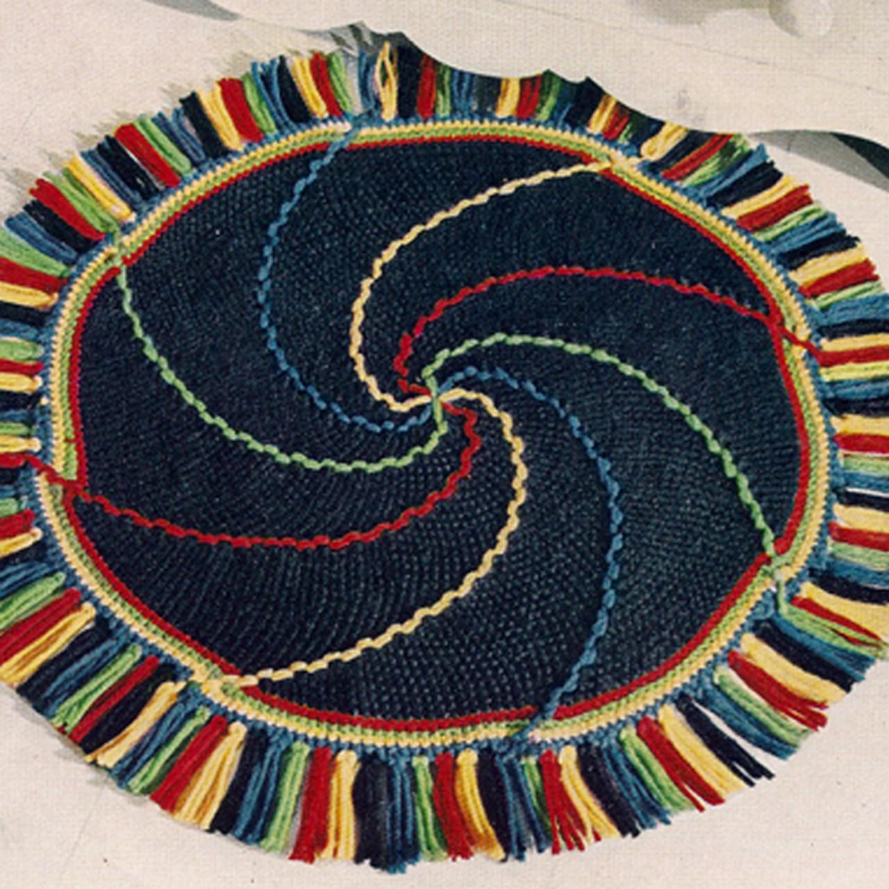 Crochet Round Rug Pattern in Pinwheel Motif