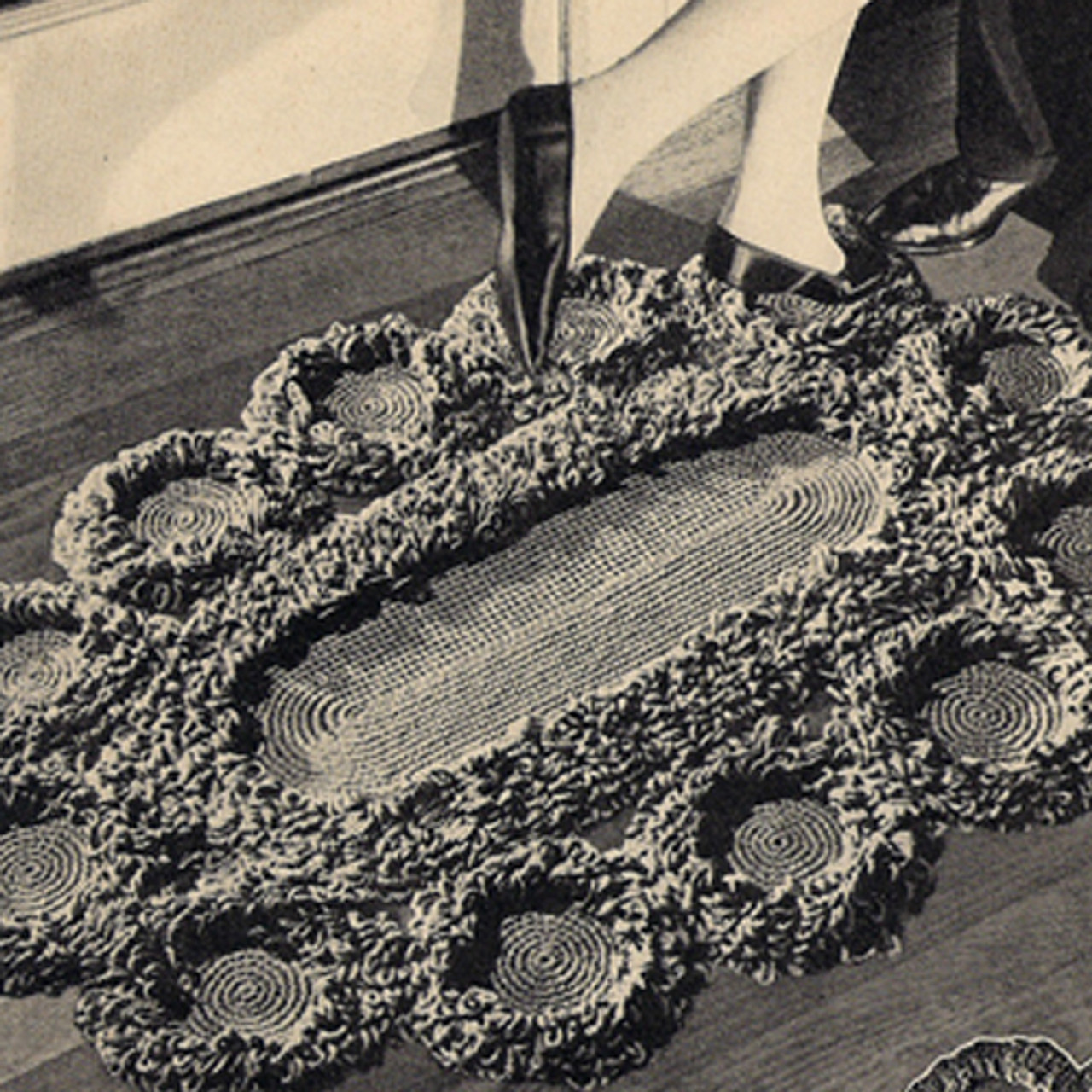 Oval Daisy Loop Stitch Crochet Rug pattern