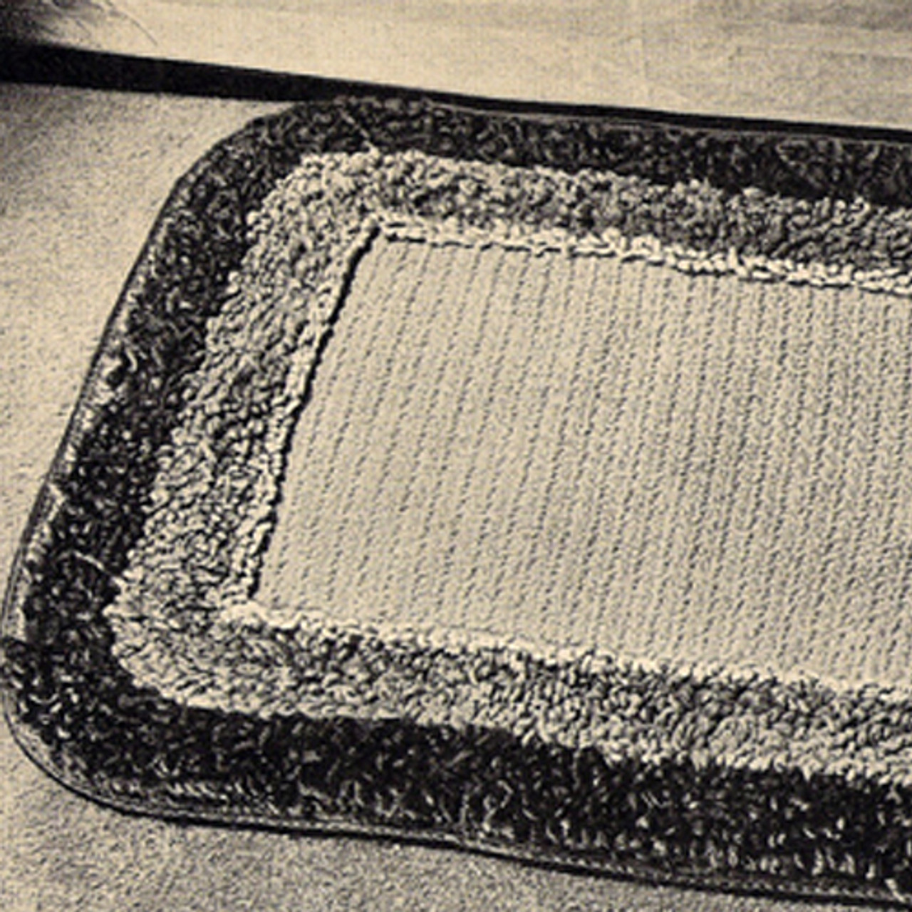 Vintage Crochet Oblong Rug pattern with Two Color Loop Stitch Border