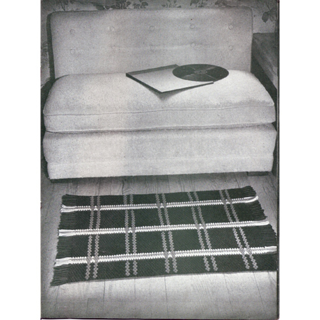 Crocheted Area Rug Pattern in Plaid