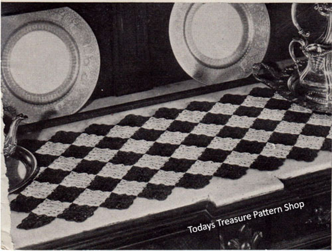 Vintage Harlequin Crochet Runner Pattern