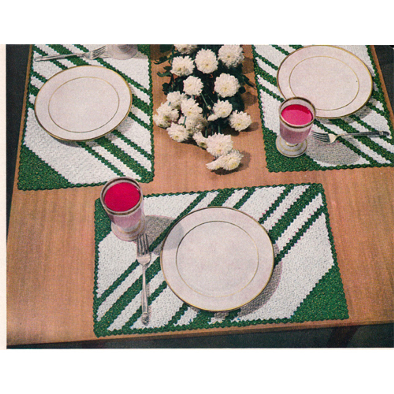 Crochet Mats Pattern with Diagonal Stripes