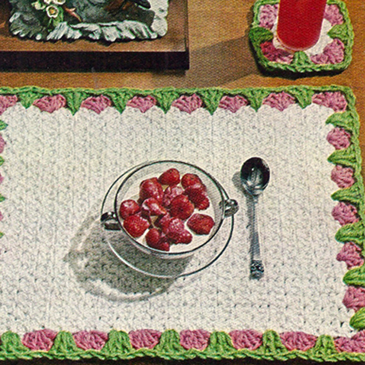 Flower Bordered Crochet Place Mats Pattern