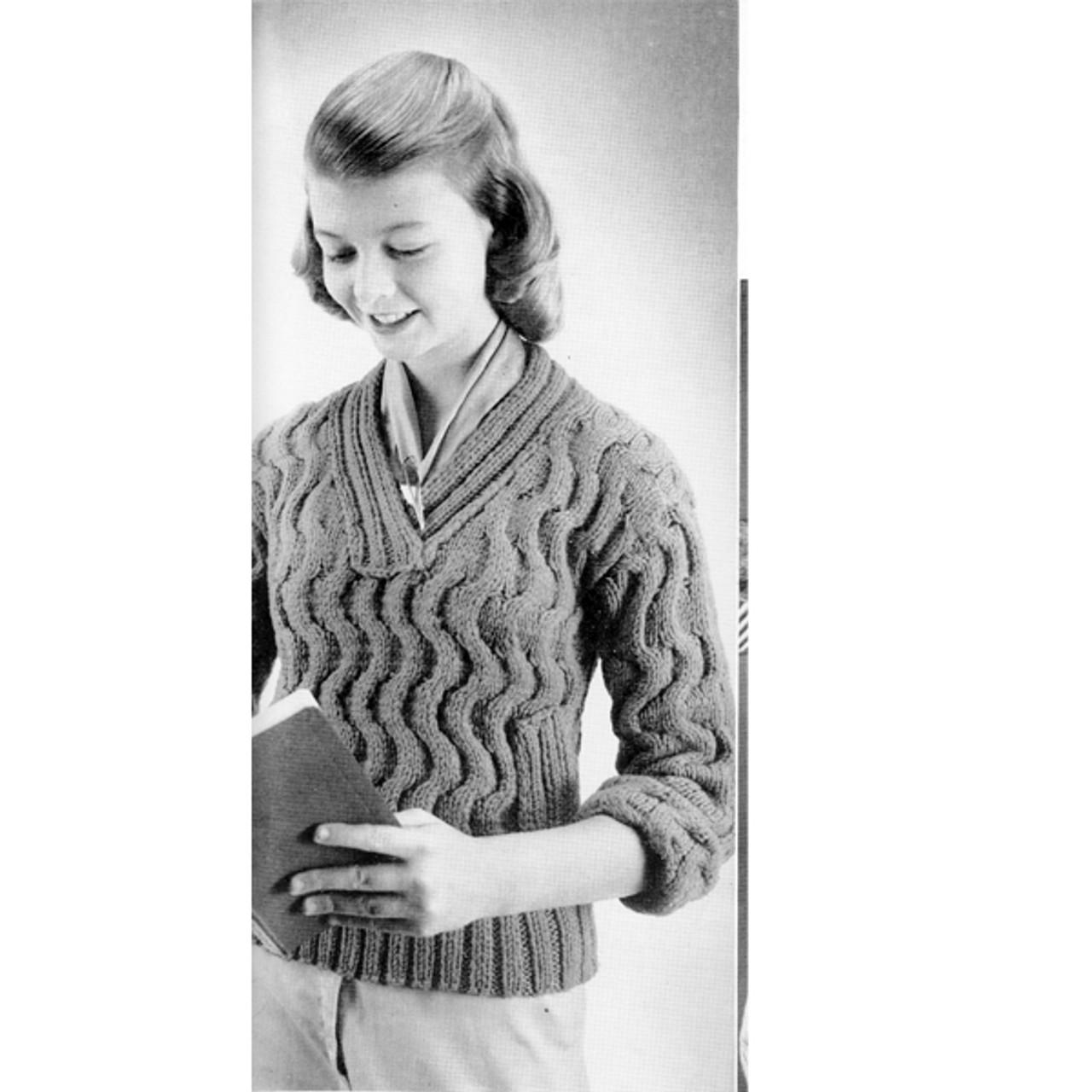 Juniors Knitted Pullover Pattern in Bernat Cuddlespun