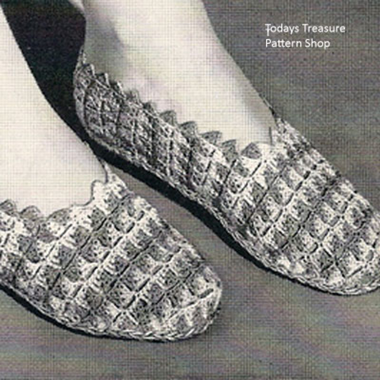 Vintage Crochet Slippers Pattern, Two Tone in Shell Stitch