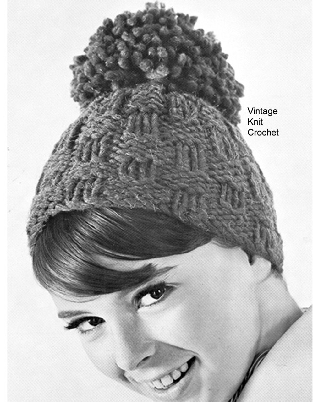 Easy Knitted Beanie Hat Pattern with pompom