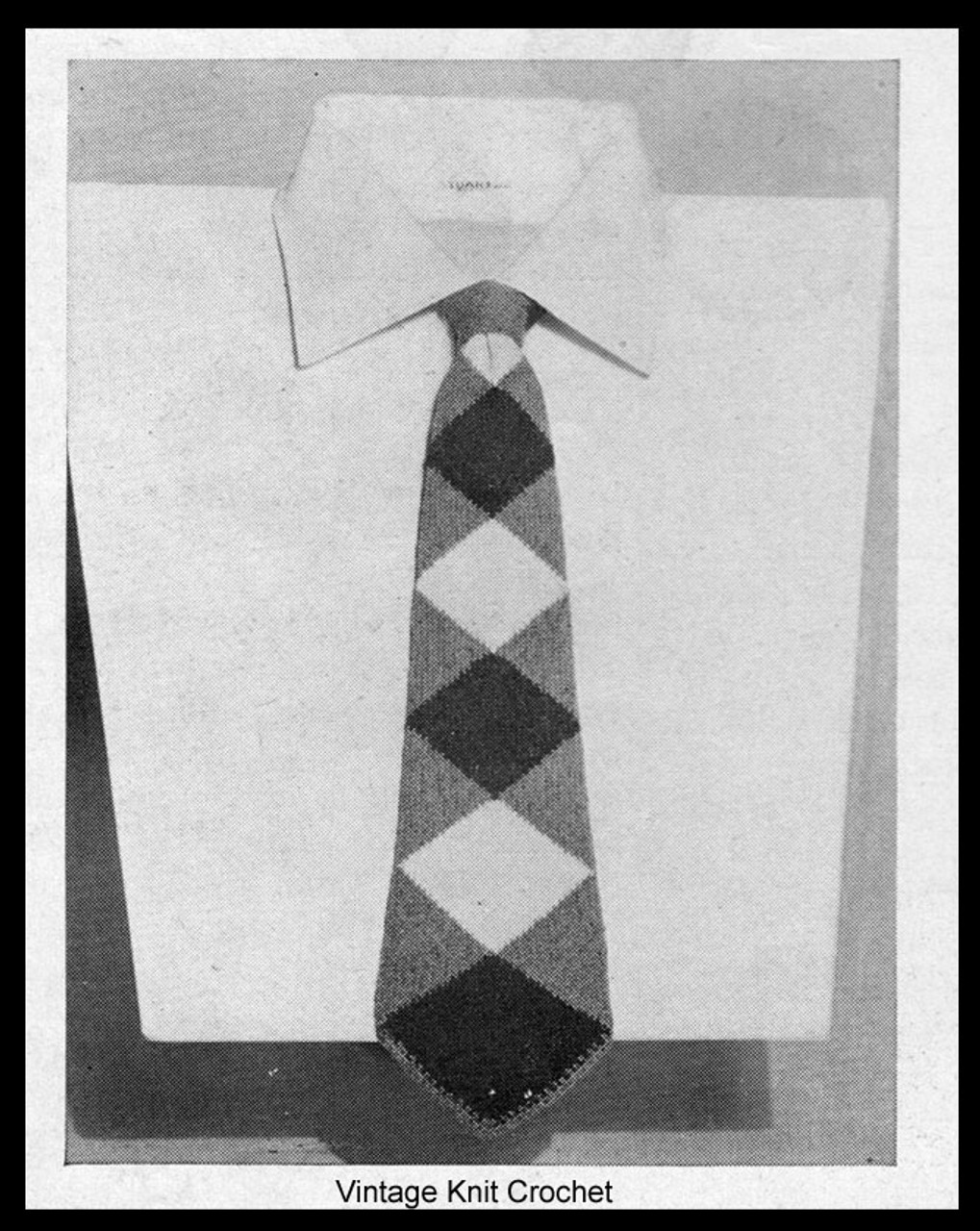 Mens Free Knitted Neck Tie Pattern, Diamond Harlequin