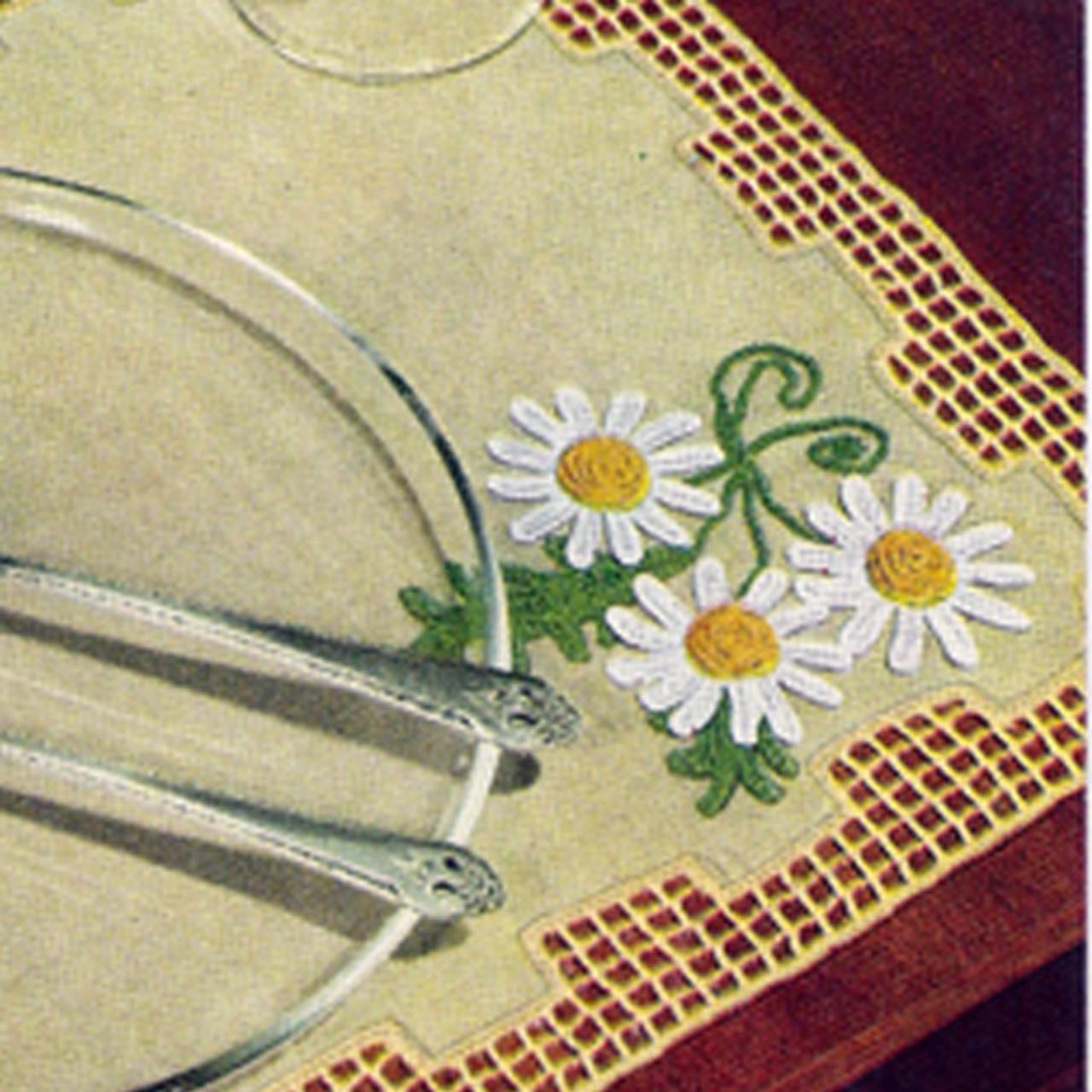 Linen Doily with Crochet Daisy edging Pattern