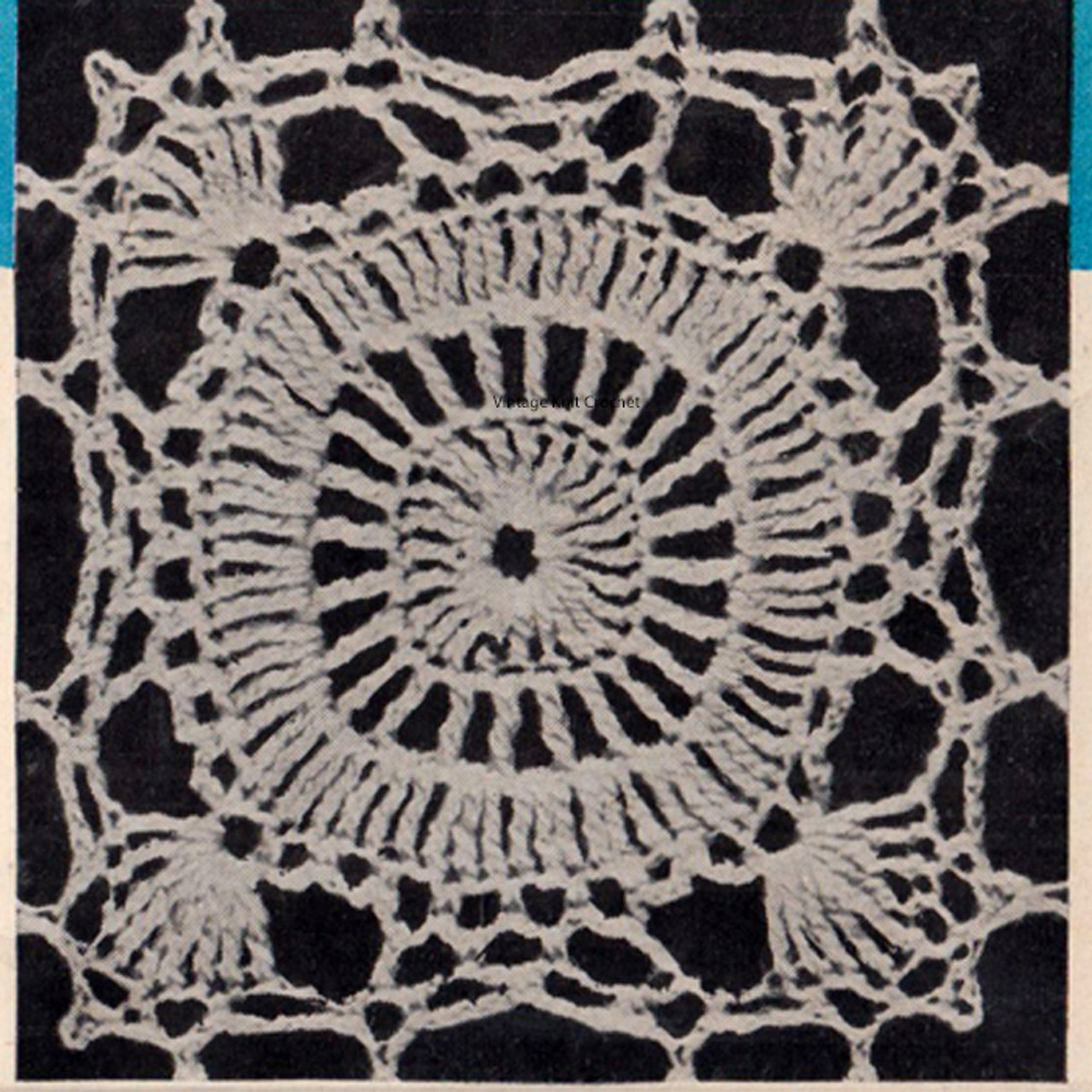 Crocheted Square Pattern for Cloths Spreads