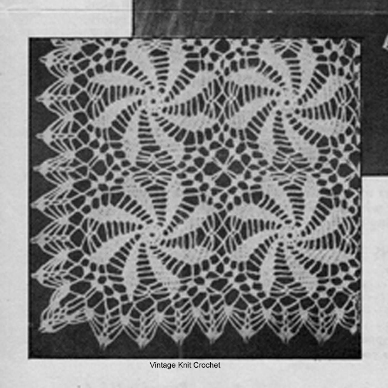 Joined pinwheel medallions for crochet tablecloth pattern