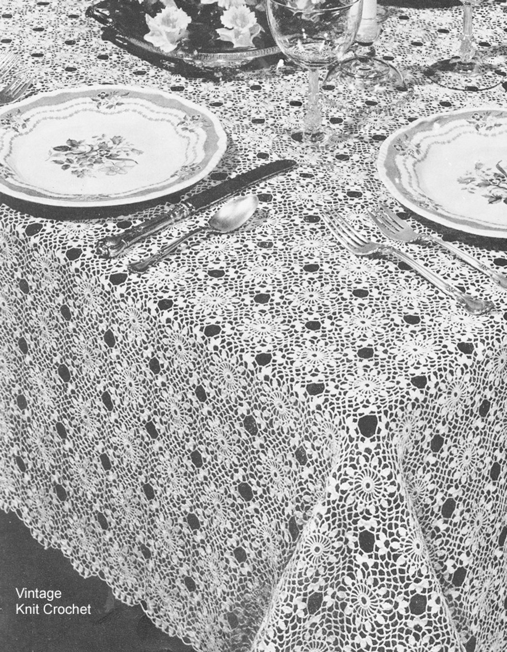 Vintage crochet Tablecloth Pattern, Cluster Stitch Square