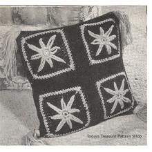 Crochet Pillow Pattern with Starfish Motif