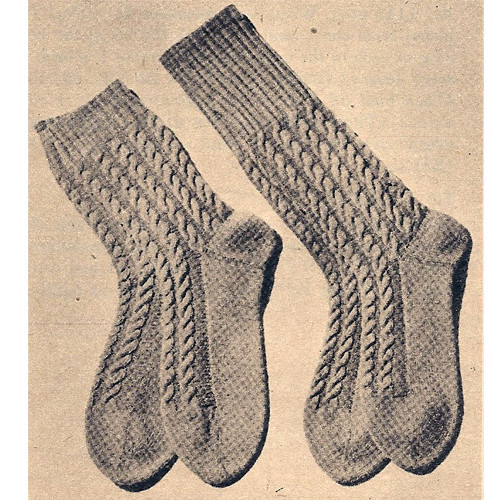Vintage 1940s Mens Cable Socks Knitting Pattern