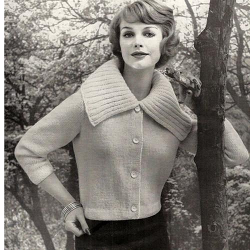 Large Collar Cardigan Knitting Pattern has three quarter sleeves