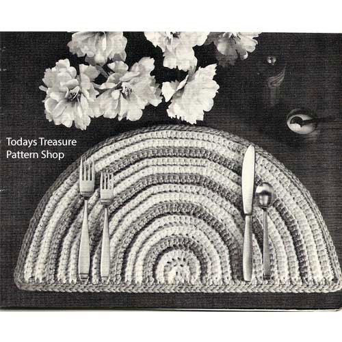 Easy Crochet Placemat Pattern in Rug Yarn, Half Moon Shape