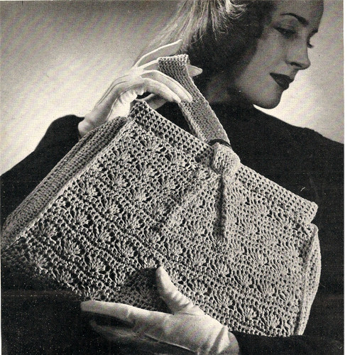 Crochet Handbag Pattern in Shell Stitch