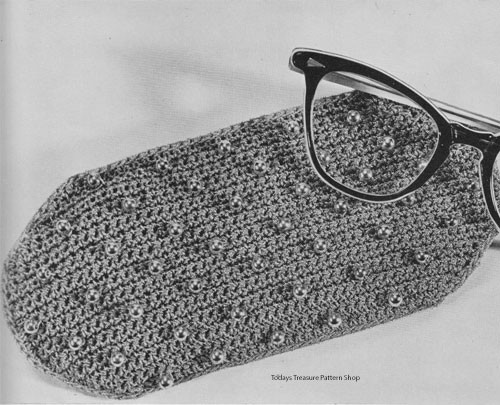 Vintage Eyeglasses Case Crochet Pattern in Bernat Beada Tinsel Thread