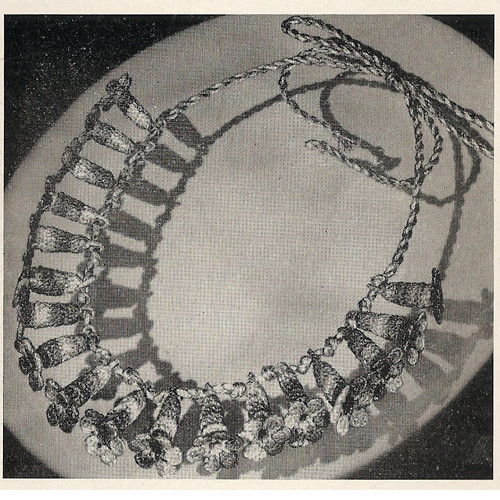 Crochet Flower Necklace Pattern, Vintage 1950s