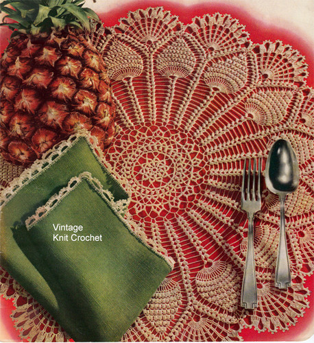 Vintage Wheel Crochet Doily Pattern, Pineapple Border