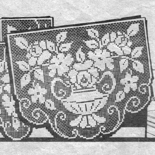 Vintage Filet Crocheted Vase with Flowers Pattern