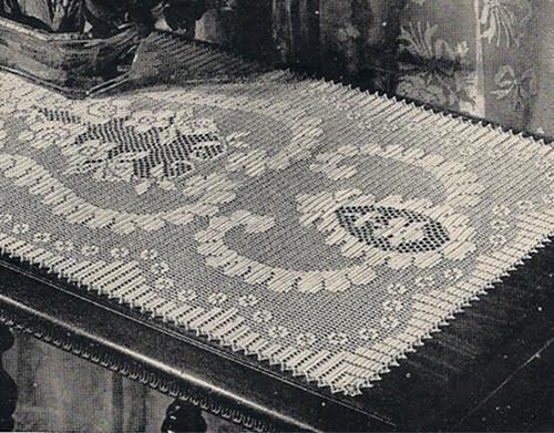 Flower Scroll Scarf in Filet Crochet