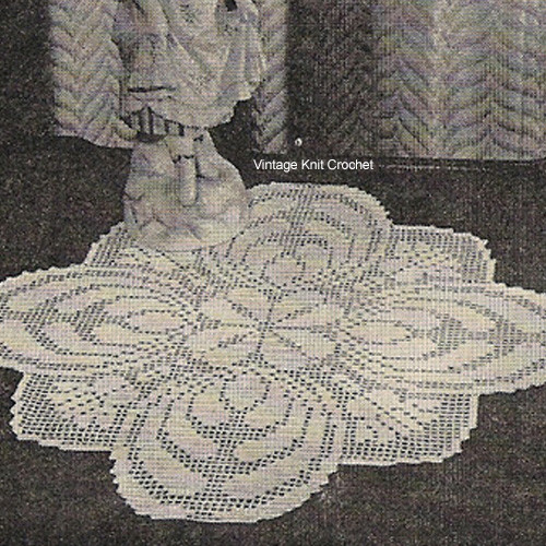 Filet Crochet Doily Pattern, Scalloped