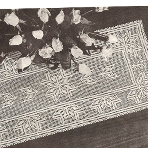 Vintage Star Runner in Filet Crochet