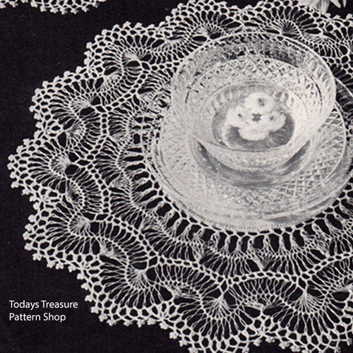 Vintage Scalloped Hairpin Lace Doily with Linen Center