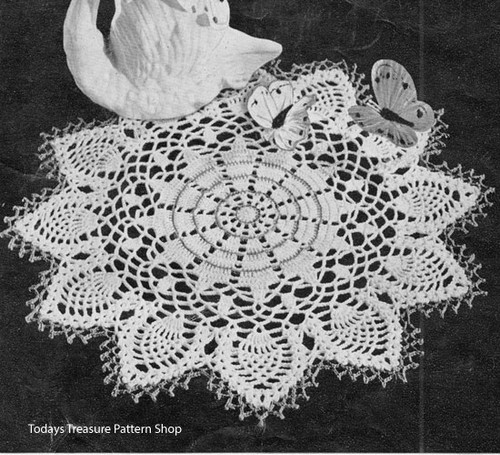 Crochet Doily with Pineapple Border Pattern