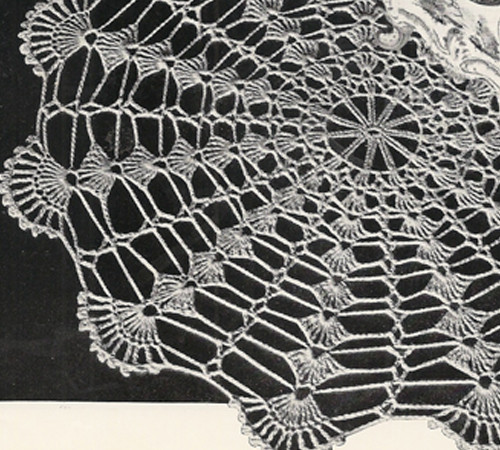 Vintage Minute Magic Doily Crochet Pattern from Coats & Clarks