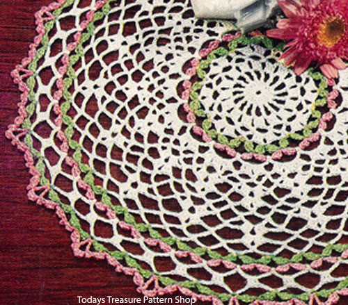 Vintage Crocheted Mesh Doily Pattern with Sunburst