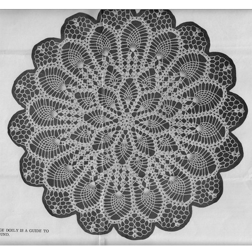 Blooming Pineapples Crochet Doily Pattern Detail