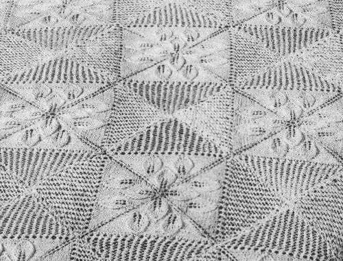 Knitted Leaf Squares for Bedspread