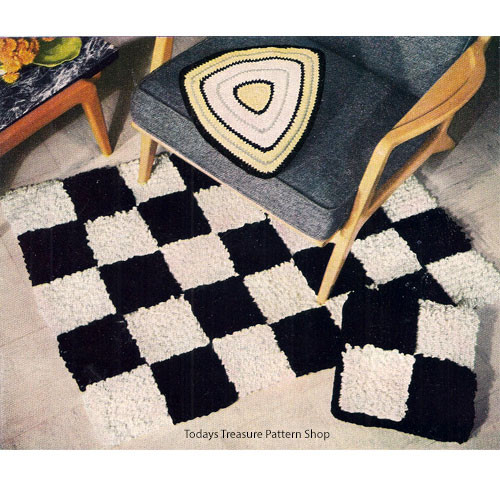 Crochet Rug Pattern Checkerboard in black and white
