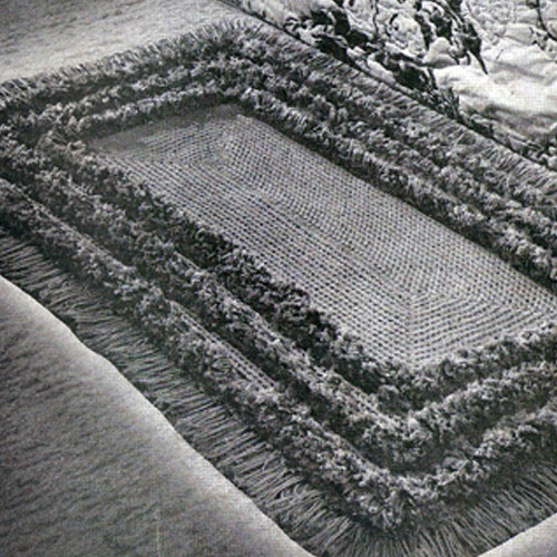 Tufted Border Crochet Rug pattern, vintage 1940s