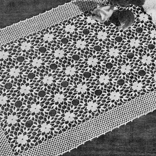 Primrose Patch Crocheted Runner Pattern, Vintage 1940s